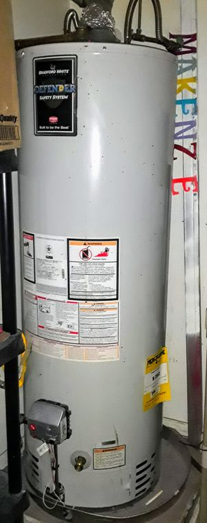 50 gallon Bradford White Gas Water Heater for Sale in Bedford, TX