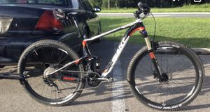 """2014 giant anthem 27.5"""" mountain bike for Sale in Mission Viejo, CA"""
