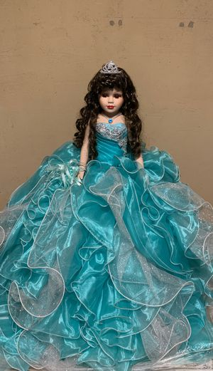 Quinceañera doll for Sale in Phoenix, AZ
