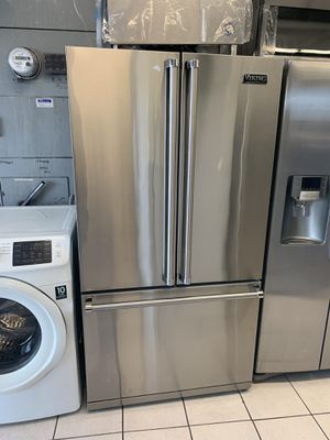 VIKING FRENCH DOOR REFRIGERATOR for Sale in San Diego, CA