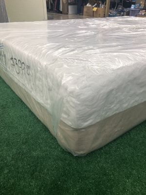 Queen size Memory Foam Mattress With Box spring we have all sizes available at Lowest prices and deliveries available too ( Habló Español) for Sale in Baltimore, MD