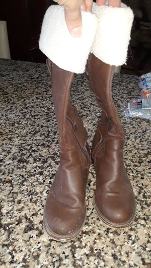 Girl boots for Sale in Valrico, FL