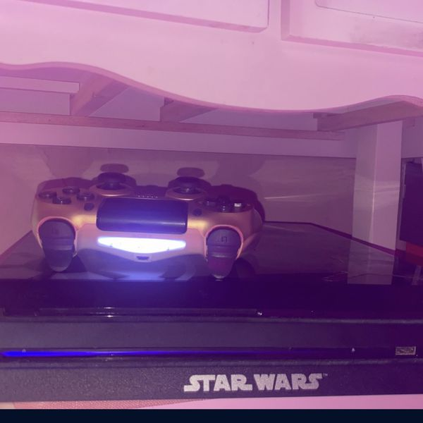 Ps4 Pro 1Terrabyte Of Memory + 2 Controllers(gold,purple) And A Game