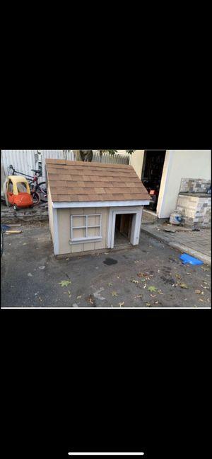 Dog house for Sale in Cranston, RI