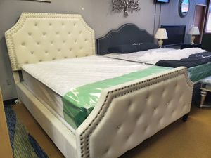 Queen bed frame and mattress set for Sale in Mill Creek, WA