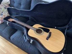 Fender CD60 NAT Acoustic Guitar w/ Fender Case and Guitar Strap for Sale in Boston, MA