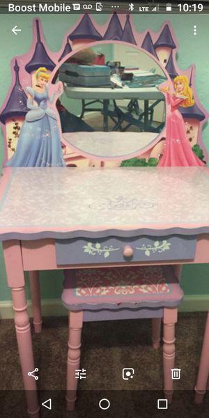Princess bedroom set for Sale in Montgomery, AL
