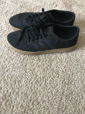 Adidas Black with gum bottom size 9 for Sale in Saint Robert, MO