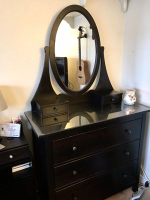 Espresso Brown Dresser | 3 Drawers | Mirror | Glass Top | Se habla español 🦋 for Sale in Chino, CA