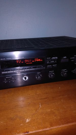 Yamaha natural sound stereo receiver for Sale in Port Richey, FL