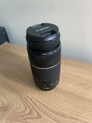 Canon lenses 70-300mm f/4-5.6 III telephoto zoom lenses for Sale in Springfield, MA