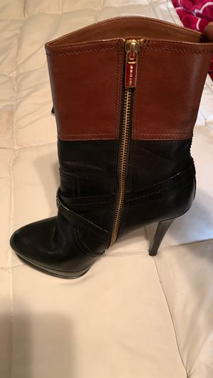Michael Kors boots size 8 for Sale in Nashville, TN