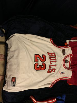 MICHAEL JORDAN NBA FINALS VINTAGE TEAM NIKE STITCHED JERSEY XXL +2 LENGTH 9.5/10 for Sale in Elburn, IL
