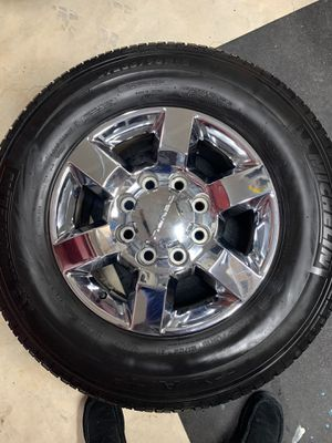 Chevy GMC wheels and tires for Sale in Bonney Lake, WA