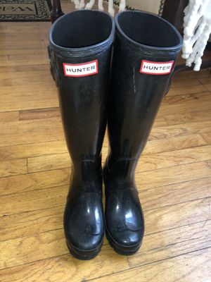 Hunter gloss rain boots for Sale in Yonkers, NY
