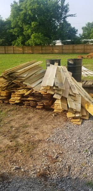 6 ft tall pine fence pickets slightly IRREGULAR $0.75 each for Sale in Murfreesboro, TN