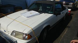 1993 Ford Mustang Convertible LX (Does not run) for Sale in Bristol, PA