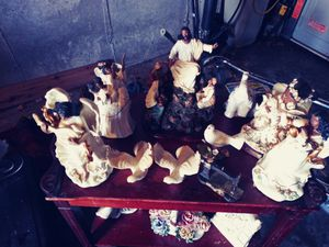 Antique Figurines and statues for Sale in St. Louis, MO