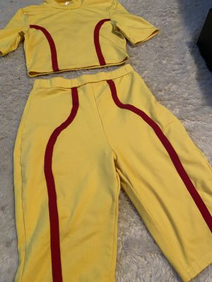 2 piece clothing size small for Sale in McKinney, TX