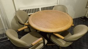 """36"""" round conference table and 4 swivel chairs for Sale in Denver, CO"""