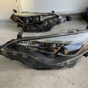 2017-2019 Toyota Corolla OEM LED Headlights (Pair) for Sale in West Palm Beach, FL