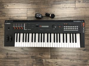 Yamaha MX49 49-Key Music Synthesizer Keyboard for Sale in Anaheim, CA