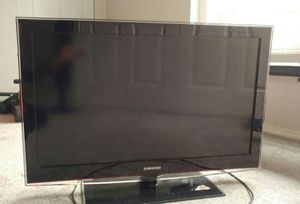 32 inch Samsung TV for Sale in Seattle, WA