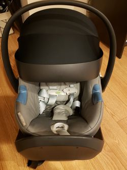 Cybex Aton M Infant Car Seat with SensorSafe and SafeLock Base in Manhattan Grey for Sale in Saddle Brook,  NJ