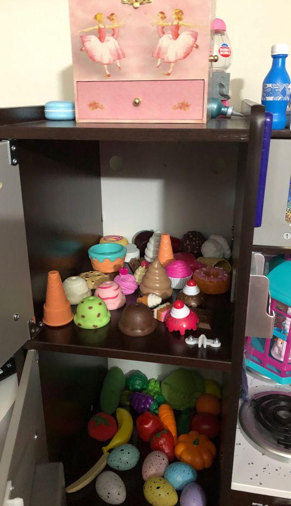 Luxury Toy Kitchen for Kids!