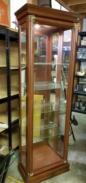 Beautiful Lighted Five Shelf Curio Cabinet - Delivery Available for Sale in Tacoma, WA