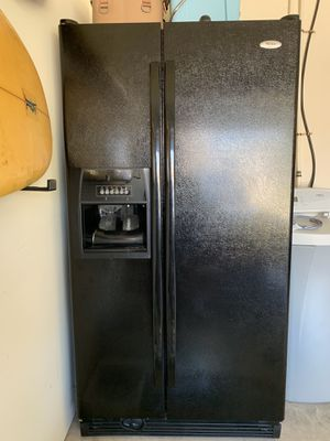 MAKE OFFER 3 Whirlpool Kitchen appliances for Sale in Tomball, TX