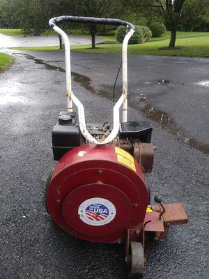 Giant vac leaf blower with 8 horsepower industrial motor runs excellent for Sale in Pottstown, PA