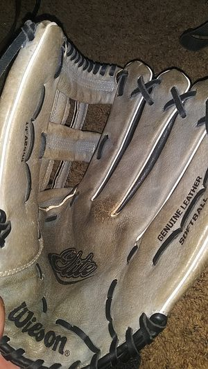 softball glove wilson a-2444 for Sale in Oklahoma City, OK