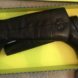 Tori Burch boots Retail $598 Selling For $400 for Sale in Hendersonville, TN