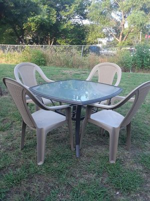Patio Table with 4 chairs 50. for Sale in Princeton, TX
