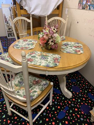 Country French Dining Room Set for Sale in Bend, OR