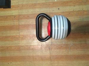 Titan Fitness 40lbs Adjustable Kettlebell for Sale in Queens, NY