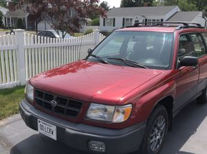 1998 Subaru Forester L ALL WHEEL DRIVE for Sale in North Haven, CT