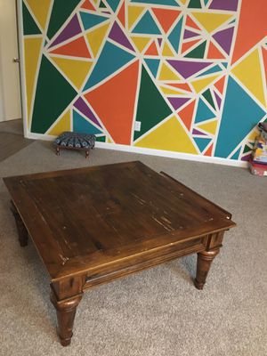Living room table with drawer for Sale in Raleigh, NC