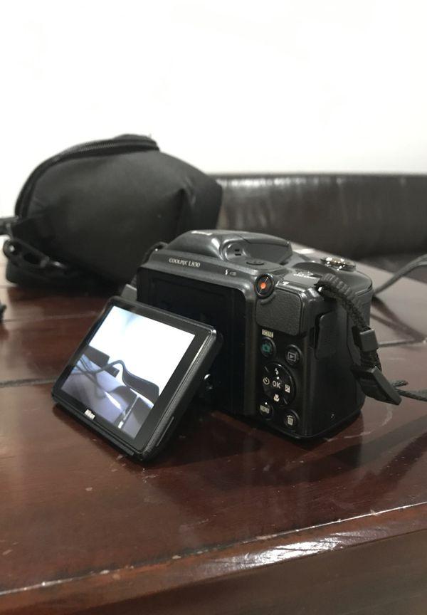Nikon Coolpix L830 camera and accessories