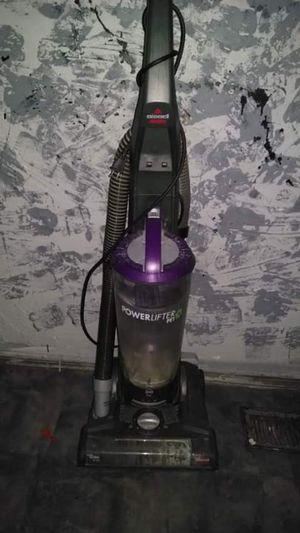 Excellent condition vacuum for Sale in Fenton, MO