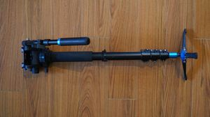 Benro A48FB Monopod with S6 Video Head for Sale in Diamond Bar, CA