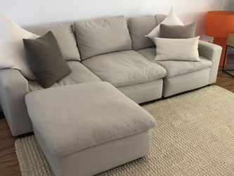 Savestro 3 Piece Sectional + Ottoman Cloud Couch for Sale in Beverly Hills,  CA