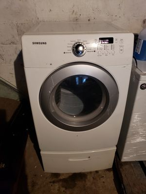 samsung use great condition with pedetal...white..$250 for Sale in The Bronx, NY