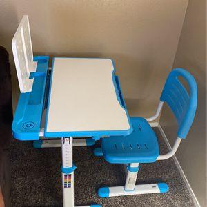Adjustable Kids Desk Rarely Used for Sale in Chula Vista, CA