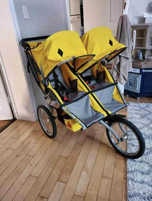 BOB Iron man double stroller for Sale in Redondo Beach, CA