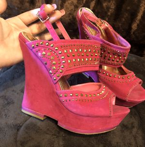 FUSIA / PINK DAZZLED WEDGES - SIZE 8 WOMENS for Sale in Houston, TX