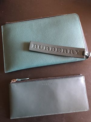 Burberry wallet with dust bag for Sale in Simi Valley, CA