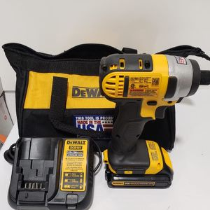 6) DeWalt 20v Impact Driver With Battery And Charger for Sale in Riverside, CA