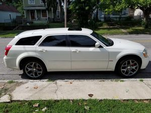 Dodge magnum for Sale in Louisville, KY